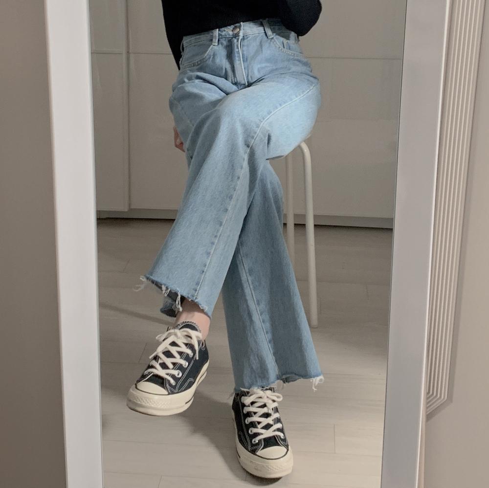 긴팔 티셔츠 모델 착용 이미지-S2L16
