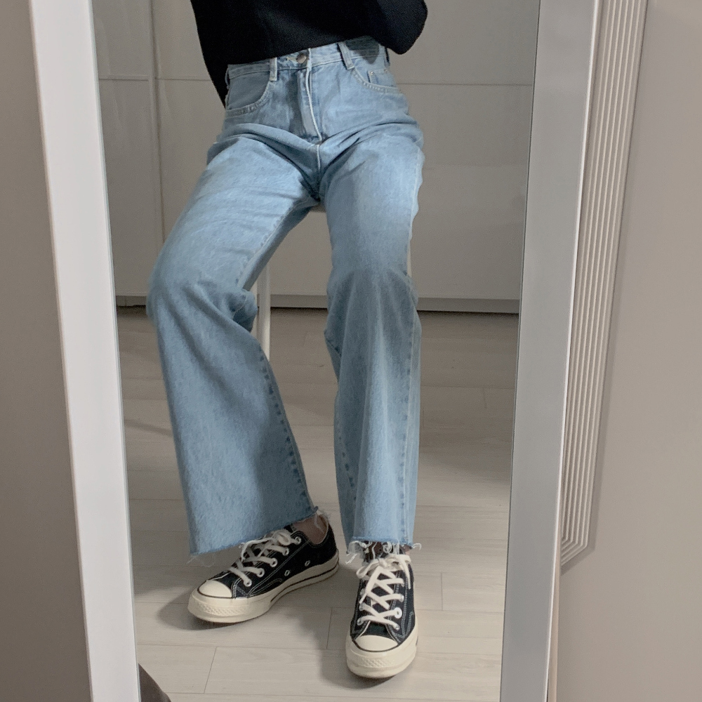 긴팔 티셔츠 모델 착용 이미지-S2L15