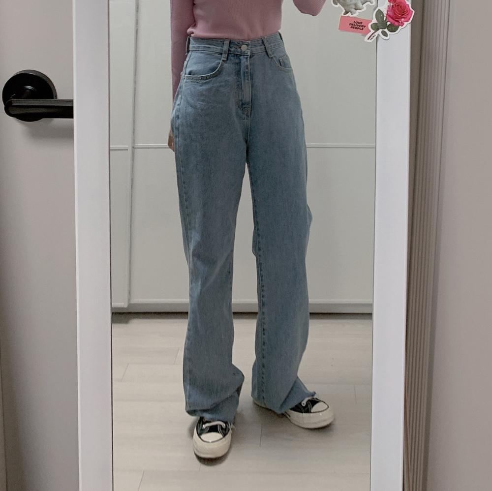 긴팔 티셔츠 모델 착용 이미지-S2L8