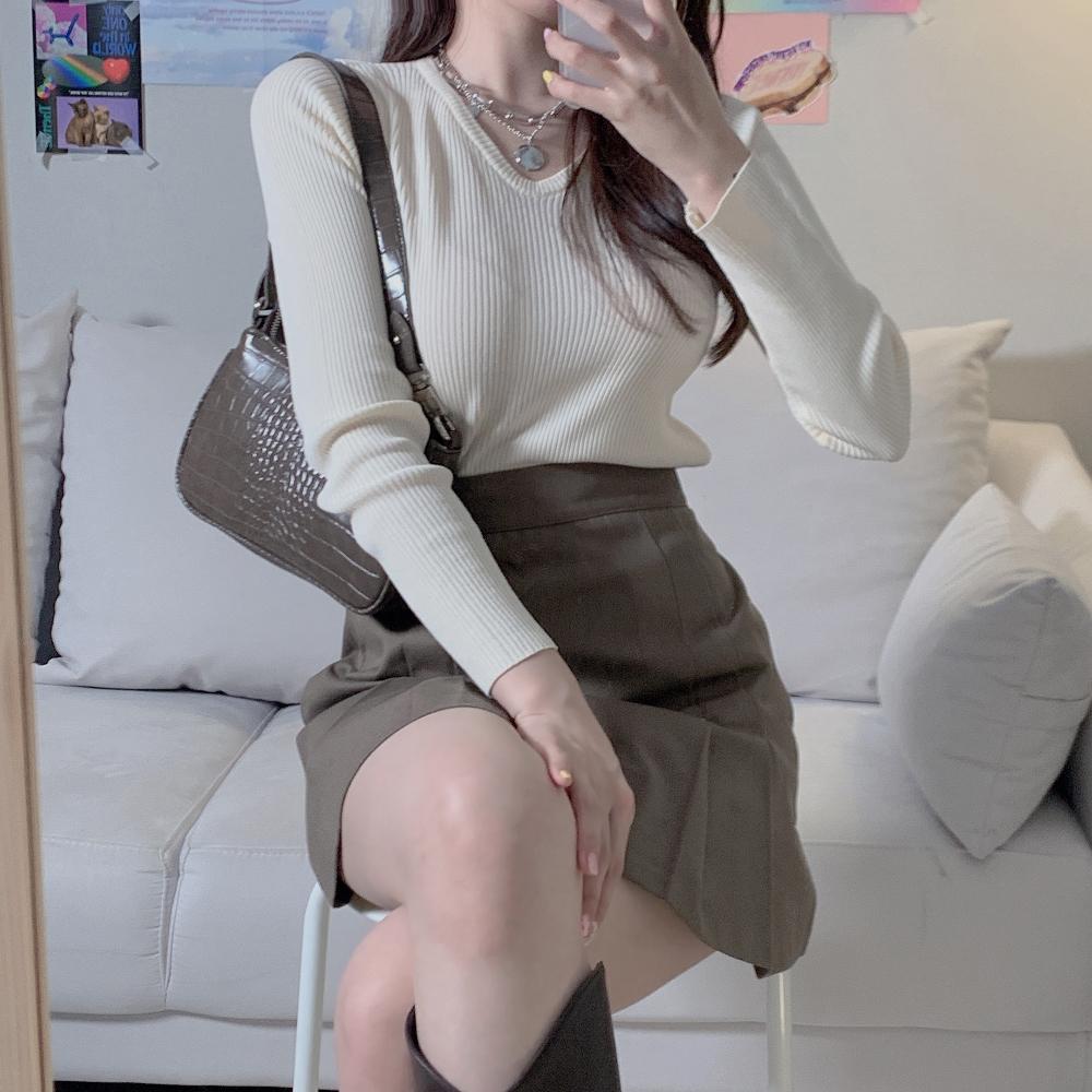 긴팔 티셔츠 모델 착용 이미지-S2L22